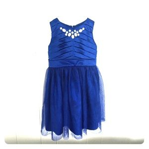 sleeveless girls dance dress. Tulle. rhinestones